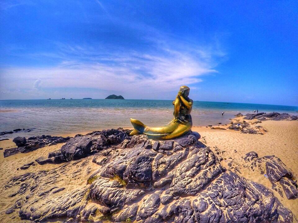 Golden Mermaid Sculpture Samila Beach
